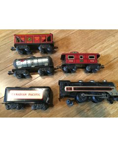 Lot of 5 Marx Pre-war 391 Steam Engine Locomotive Canadian Pacific Tender and 3 cars- Runs 1938-42